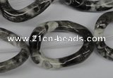 CFG268 15.5 inches 25*30mm carved oval black & white jasper beads
