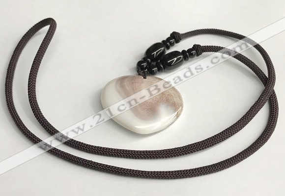 NGP5636 Shell flat teardrop pendant with nylon cord necklace